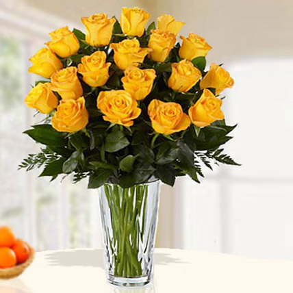 18 Yellow Roses Arrangement: Anniversary Gifts For Women