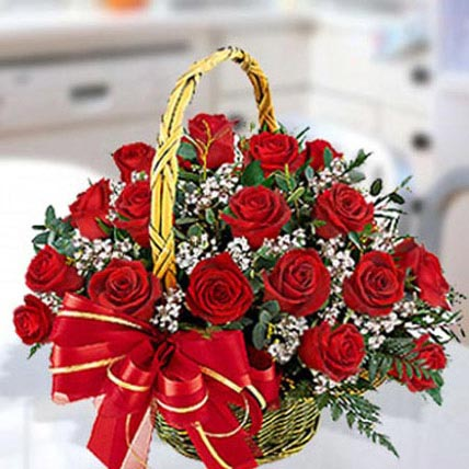 30 Red Roses Arrangement: Flowers Delivery in Al Hofuf