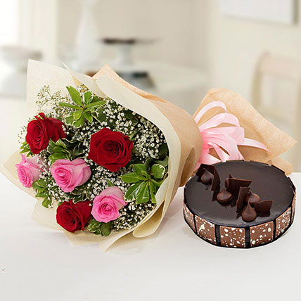 Beautiful Roses Bouquet With Chocolate Cake: