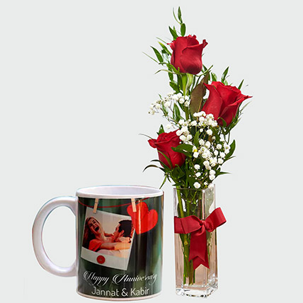 Lovable Roses And Personalised Mug: Flowers Delivery