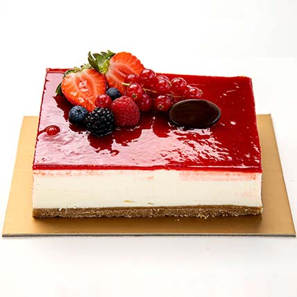 Strawberry Cheese Cake half kg: Cakes in Jubail