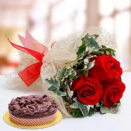 Roses & Chocolate Mousse Cake: Flowers and Cakes Delivery