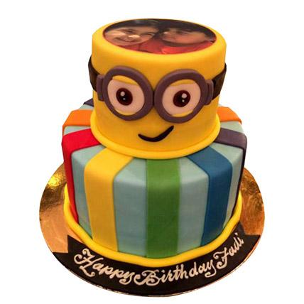 Bob the Minion Cake: