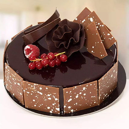 Delicious Fudge Cake: Send Gifts to Abha