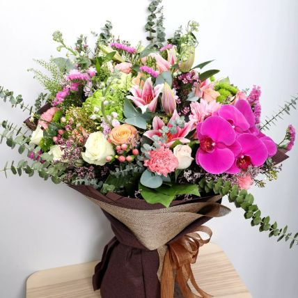 Vibrant Mixed Flower Bouquet: Exotic Flowers Delivery