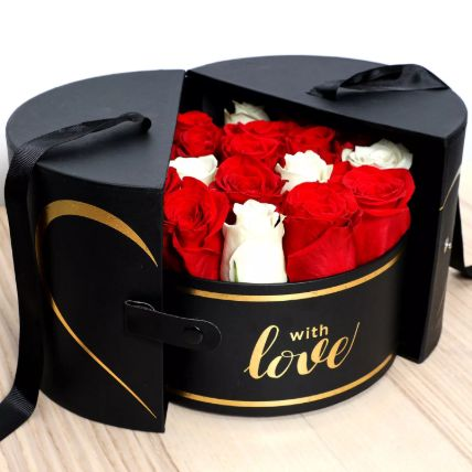 Luxurious Box Of Roses: Flowers In a Box Arrangements
