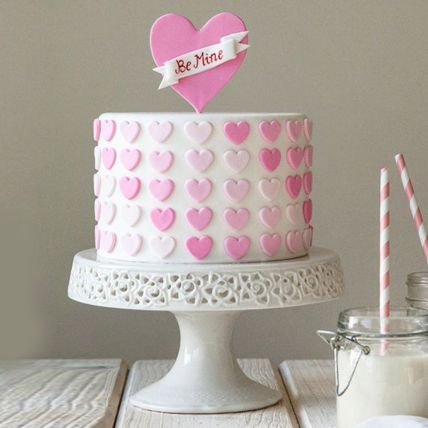 Graceful Love Cake: Valentines Day Cake