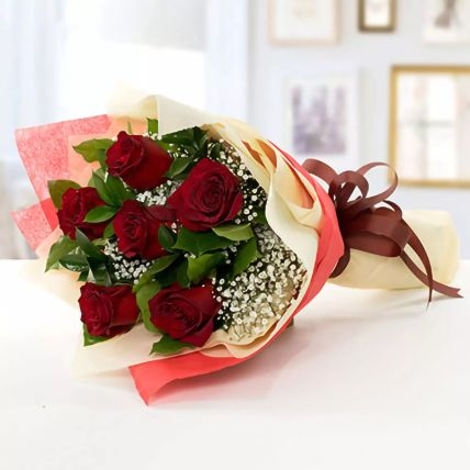 Beauty of Love Roses Bouquet: Gifts for Hug Day
