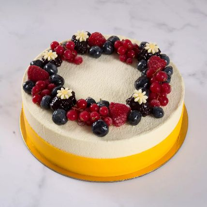 Yummy Vanilla Berry Cake: Mother's Day Gifts