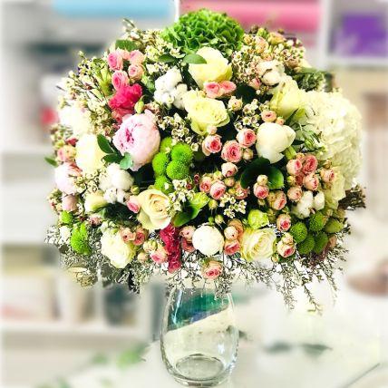 Mesmerising Mixed Flowers Glass Vase Arrangement: Premium Flowers