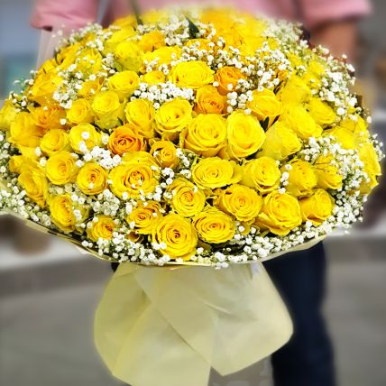 Alluring Yellow Roses Beautifully Tied Bouquet: