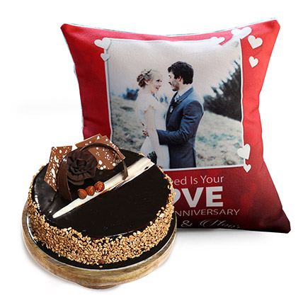 Love Anniversary Cushion And Rose Noir Cake: Personalized Gifts Delivery