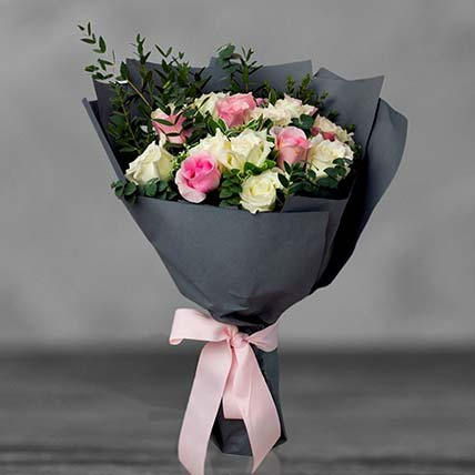 Pink And White Rose Bouquet: Mixed Flowers