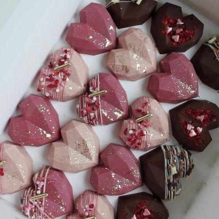 Heart Shape Chocolate Flavour Cakesicles: Pinata Cakes