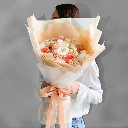 Blissful Mixed Roses Bouquet: Mixed Flowers