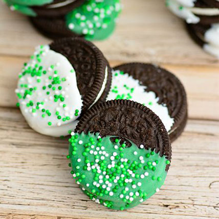 Dipped Oreo Biscuits