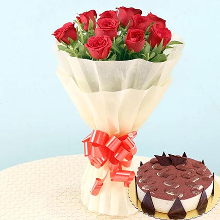 Romantic Roses & Tiramisu Cake 4 Portions