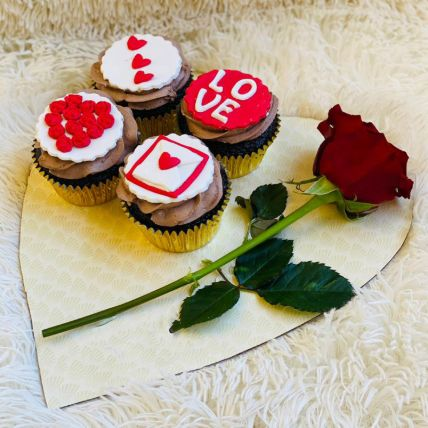Cute Love Red Velvet Cup Cakes Set of 4 With Rose