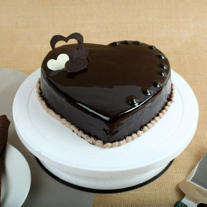 Chocolate Hearts Cake 1 Kg