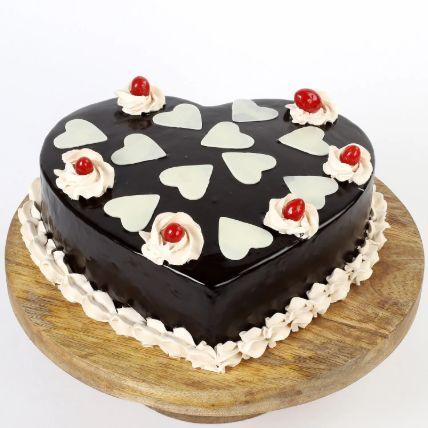 Chocolatey Hearts Cake 1.5 Kg