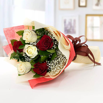Beauty Of Red N White 6 Roses