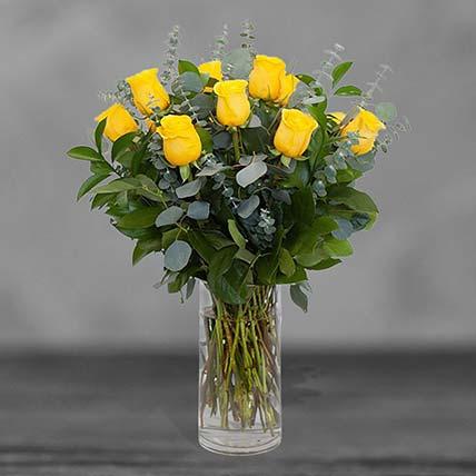 Bunch Of 12 Yellow Roses Glass Vase Arrangement